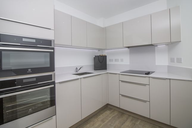 Kitchen of Tiggap House, Enderby Wharf, Greenwich SE10