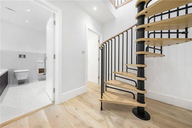 Picture No. 11 of Kit Apartments, 151 Camberwell New Road, Oval, London SE5