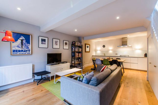 2 bed property to rent in Old Acre Mews, Balham