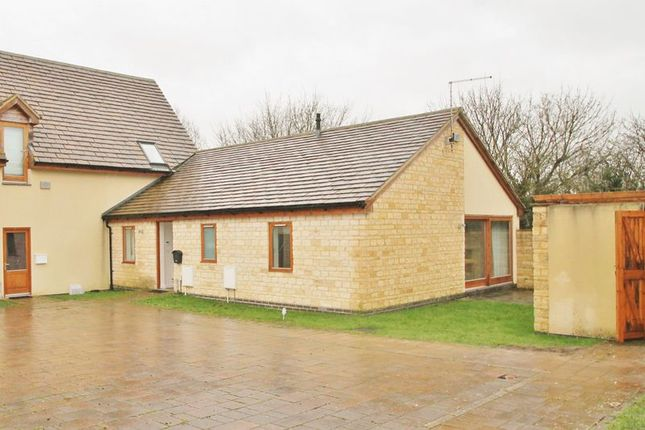 Thumbnail Bungalow to rent in The Kemble, Oaksey, Wiltshire