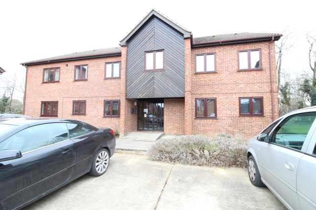 1 bed flat to rent in Dormer Close, Aylesbury HP21