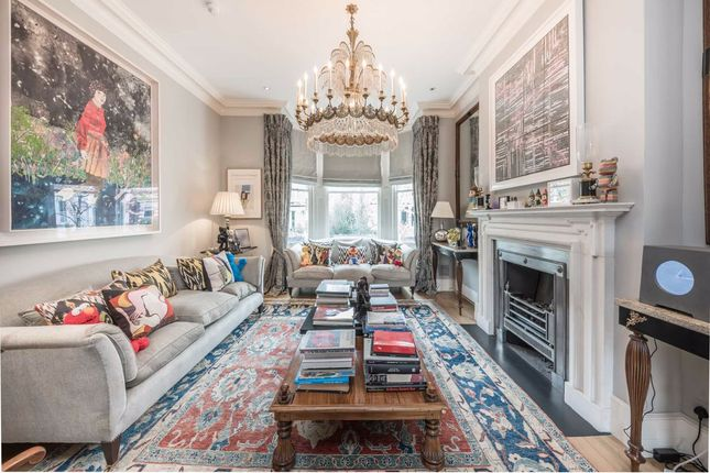 4 bed property to rent in St. Lawrence Terrace, London W10