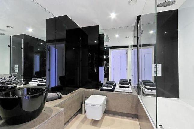 Bathroom of The Bezier Apartment, 91 City Road, London EC1Y