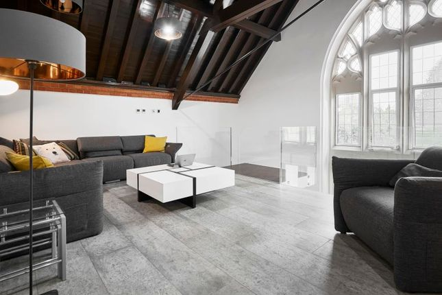 Thumbnail Flat for sale in Hale Street, London