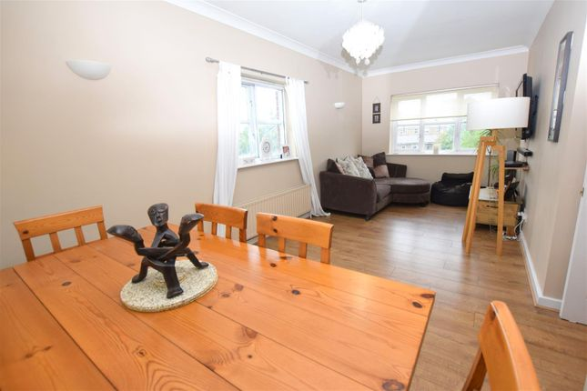 2 bed flat for sale in West Ham Lane, London E15