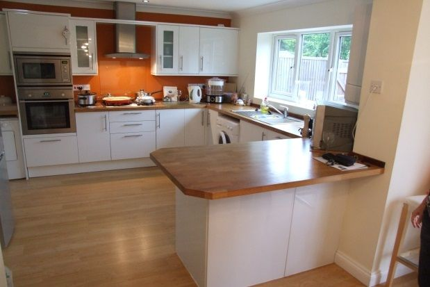 Thumbnail Property to rent in Newmarket Road, Bury St. Edmunds