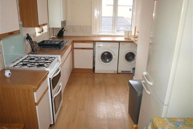 Thumbnail Flat to rent in The Knoll, Croft Road, Swindon