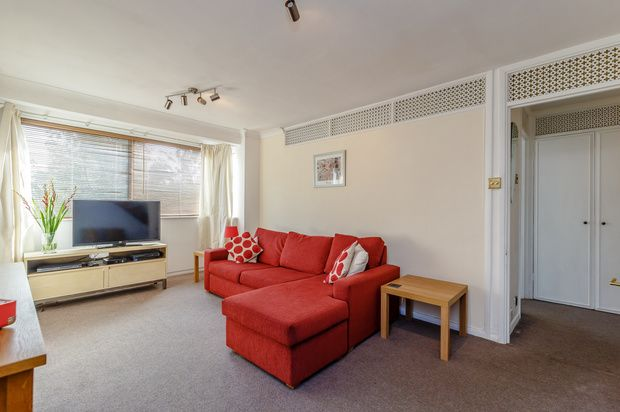 Thumbnail Flat for sale in Queenswood Gardens, Wanstead