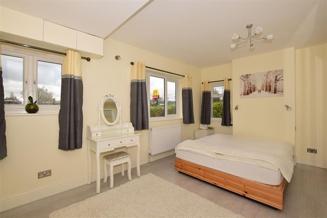 Thumbnail Bungalow for sale in Oldfields Road, Sutton, Surrey