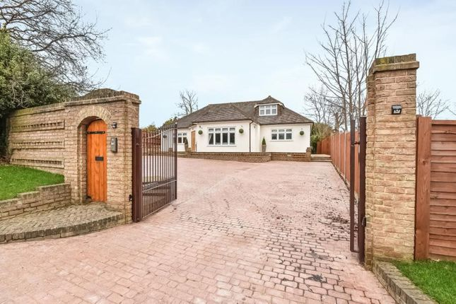 Thumbnail Bungalow for sale in Starts Hill Road, Farnborough, Orpington
