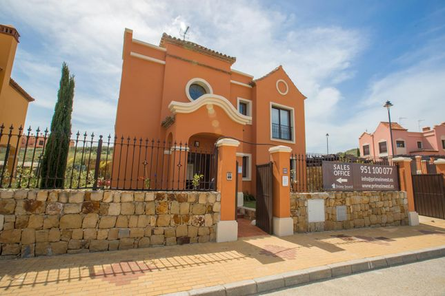 3 bed detached house for sale in Estepona, Andalucia, 29680, Spain