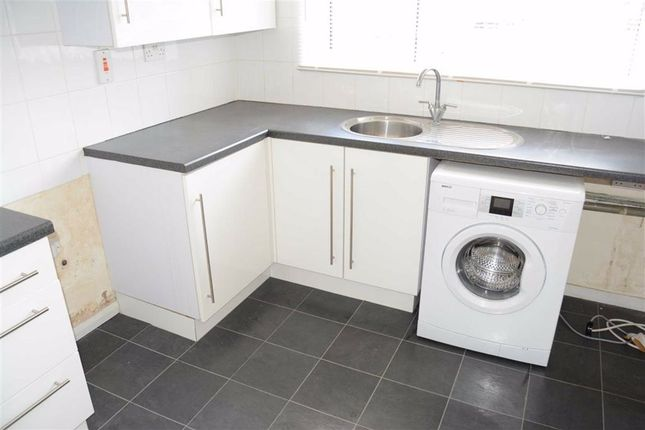 Fitted Kitchen: of Toronto Road, Tilbury, Essex RM18