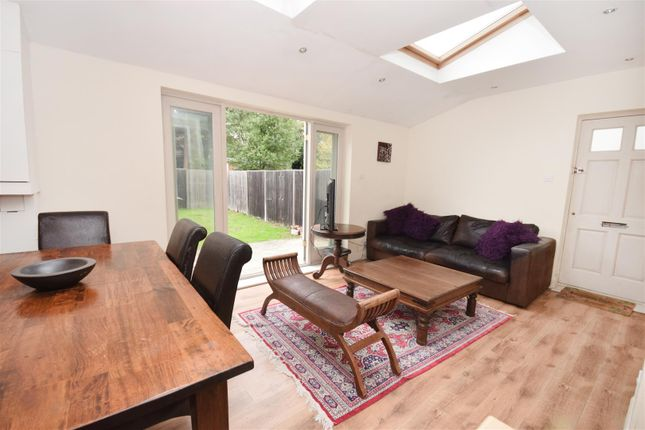 40 Bed Flat For Sale In Somerset Avenue London SW400 Zoopla Awesome Two Bedroom Flat In London Model Plans
