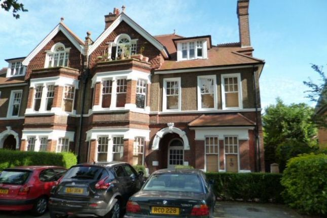 Studio to rent in Riverdale Gardens, Twickenham