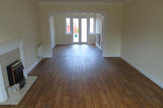 Thumbnail Property to rent in Fuscia Way, Rogerstone, Newport