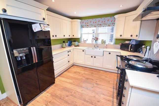 Thumbnail Detached house for sale in Central Avenue, Stanford-Le-Hope