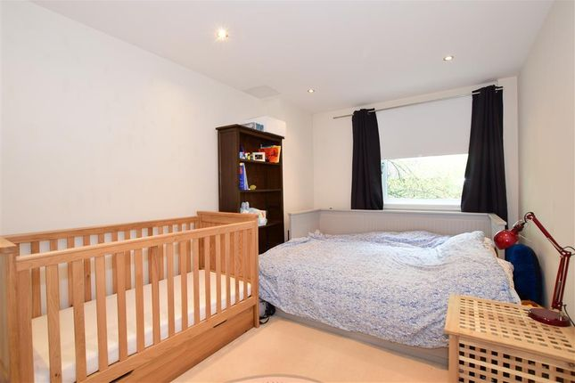 2 bed flat for sale in Brighton Road, Purley, Surrey