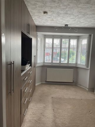 Thumbnail Flat to rent in Byron Road, 3Pe