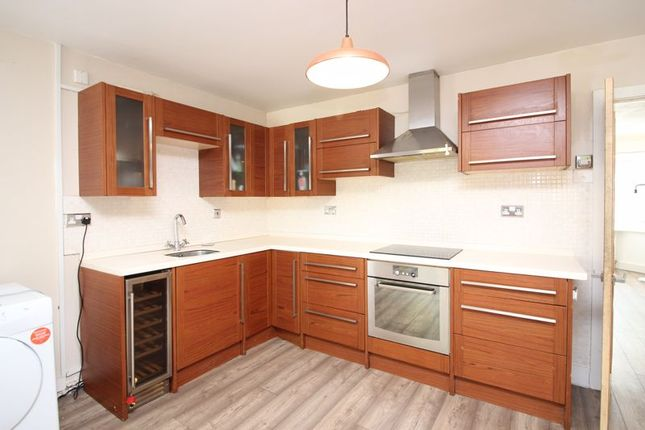 Kitchen of Isis Close, Salford M7