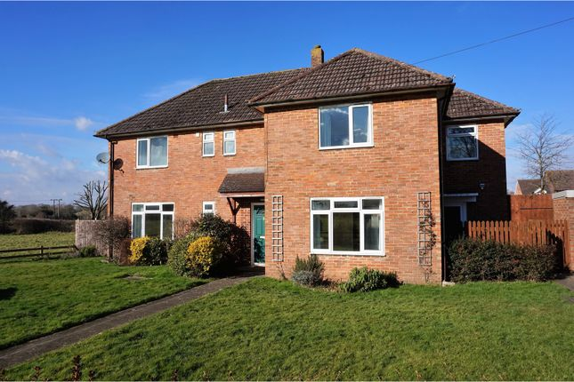 4 bed detached house for sale in Edinburgh Road, Calne