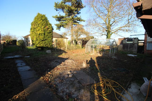 Picture No. 02 of Rawfield Lane, Fairburn, Knottingley, North Yorkshire WF11