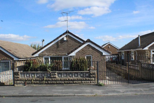 Thumbnail Detached bungalow to rent in Priestley Drive, Pudsey, Leeds