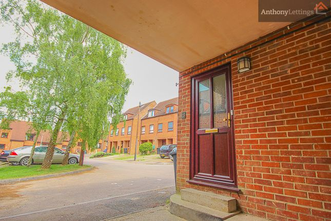 Thumbnail Maisonette to rent in Kingfisher Way, Bishop's Stortford
