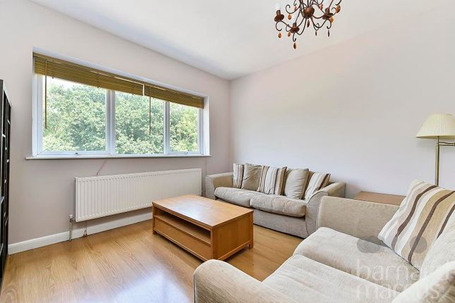 Studio to rent in Archway Road, Highgate, London
