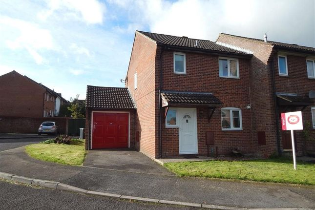 Thumbnail Property to rent in Ravenscroft, Salisbury, Wiltshire