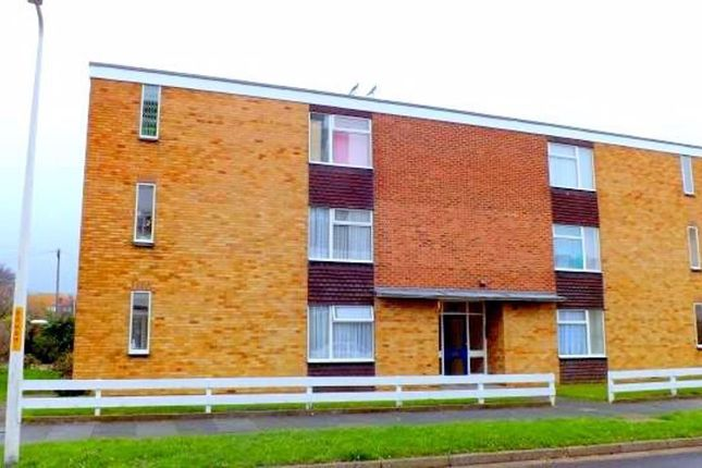 2 bed flat to rent in Wellington House, Beresford Gdns, Margate CT9