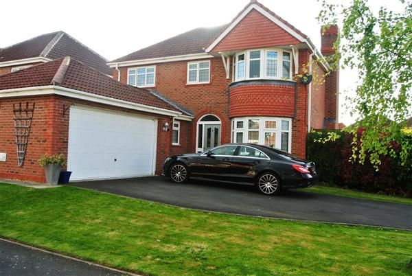 Thumbnail Detached house for sale in Belle Field Close, Penwortham, Preston