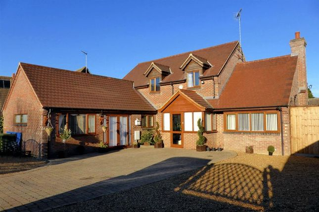 Thumbnail Country house for sale in Spencer Drove, Guyhirn, Cambridgeshire