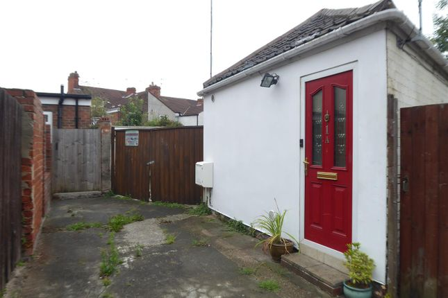 Thumbnail Detached bungalow to rent in Minton Street, Hull