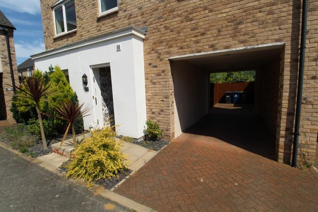 4 bed detached house to rent in Ruston Close, Hartford, Huntingdon PE29