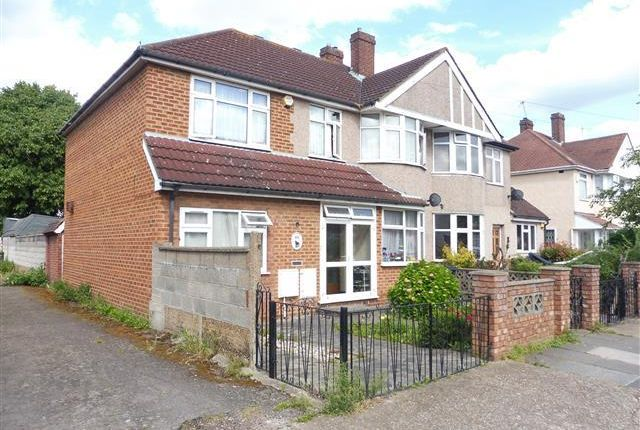 Thumbnail Property to rent in Rochester Avenue, Feltham