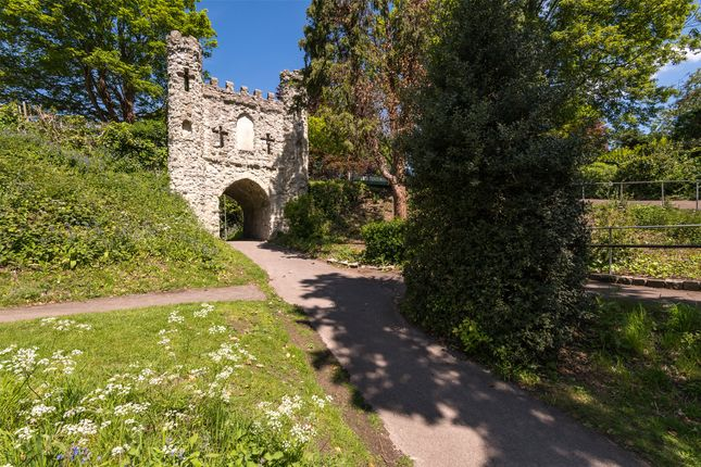 Picture No. 06 of Castle Keep, London Road, Reigate, Surrey RH2