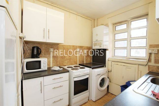 4 bed flat to rent in Ben Jonson Road, London