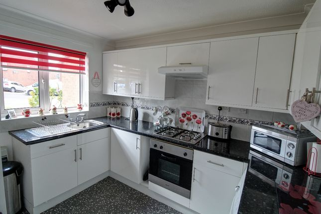 Kitchen2 of Holding, Worksop S81