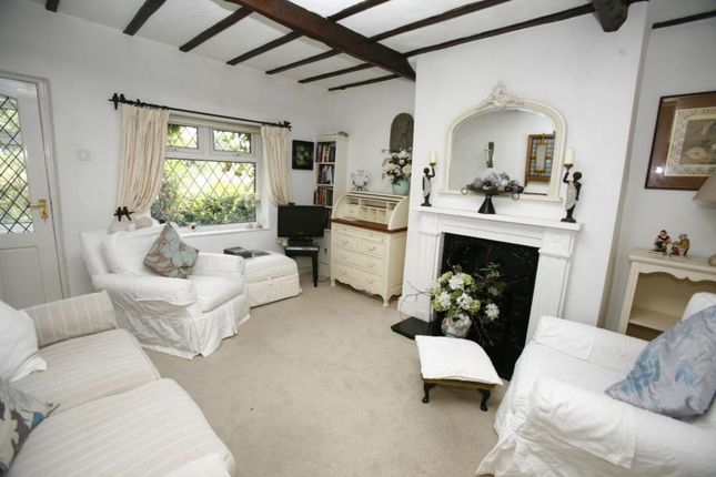 Thumbnail Terraced house for sale in Lower Fold Cottage, High Lane, Stockport