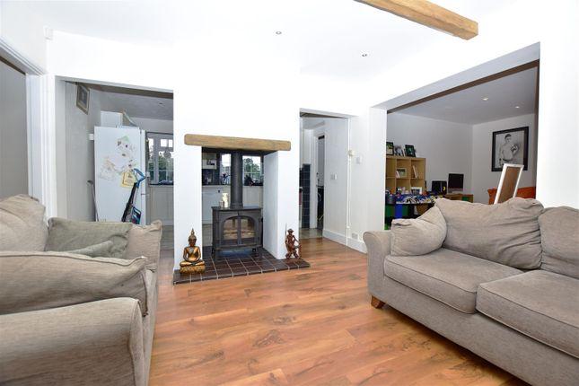 Siting Room of Wrotham Road, Meopham, Gravesend DA13