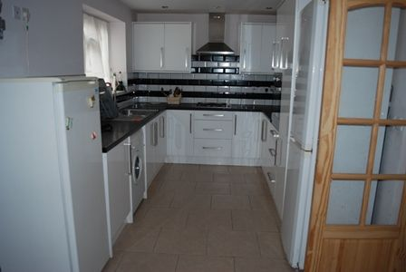 Thumbnail End terrace house to rent in Glendale Avenue, Wood Green
