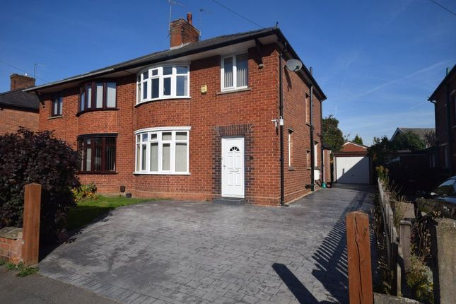 Thumbnail Property to rent in Glyndwr Road, Wrexham