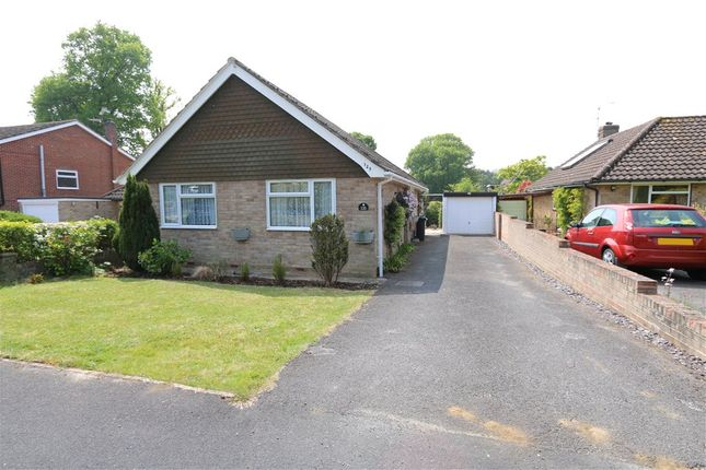 2 bed bungalow for sale in Ringwood Drive, North Baddesley, Southampton, Hampshire