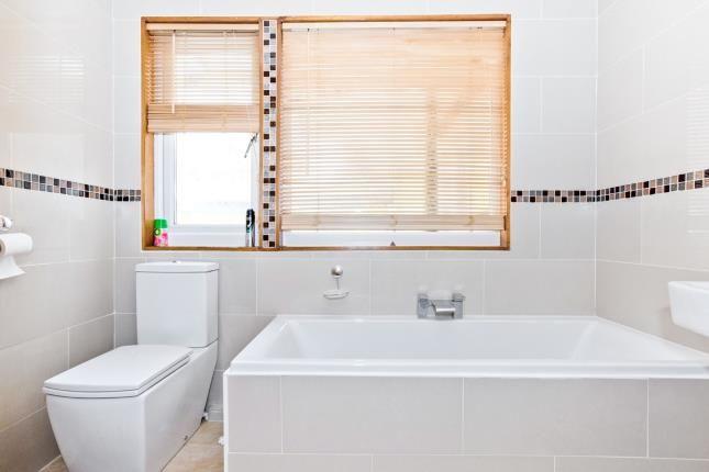 Bathroom of Queens Road, Waterlooville PO7