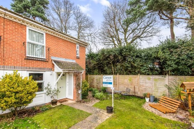 1 bed maisonette for sale in Lightwater, Surrey
