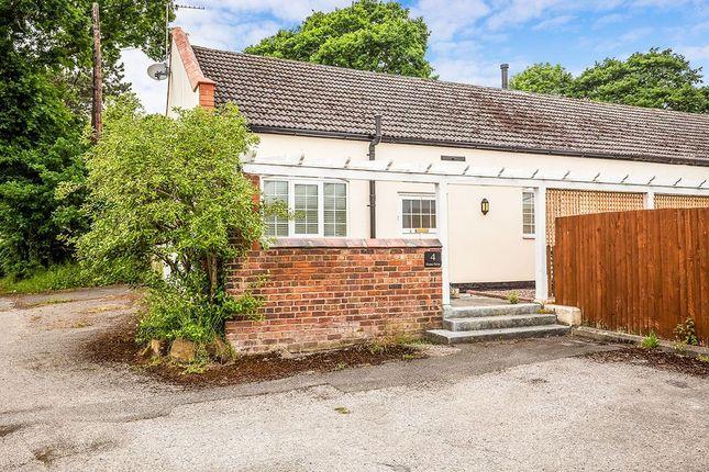 Thumbnail Bungalow to rent in Chapel House Lane, Puddington, Neston
