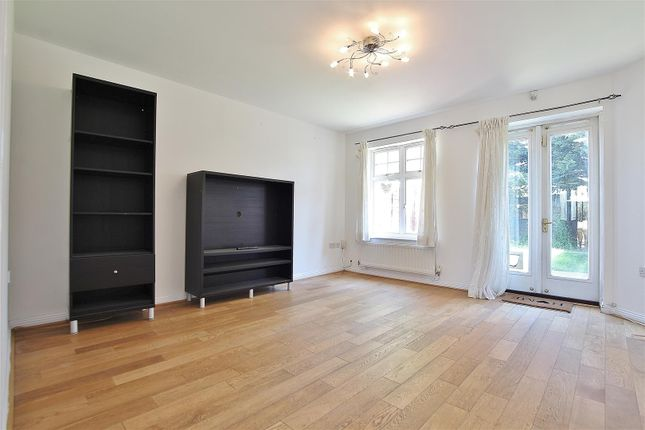 Thumbnail Property to rent in Gladstone Gardens, Hounslow