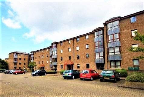 2 bed flat to rent in Sienna Gardens, Edinburgh EH9