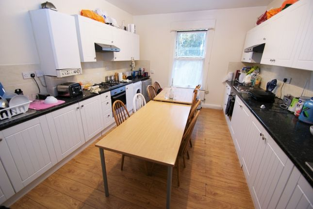 Thumbnail Property to rent in Cardigan Road, Headingley, Leeds