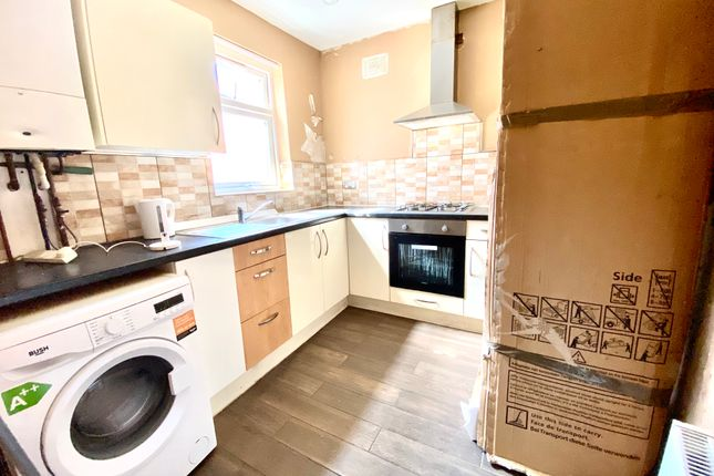 Flat to rent in Asfordby Street, North Evington, Leicester
